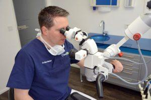 Dentalmikroskop /Zahnarzt Dr. Meisel Nürnberg