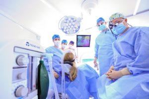 Zahnärzte Dres. Meisel im OP - Piezochirurgie Nürnberg
